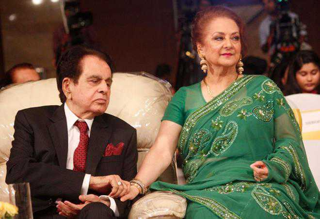 Saira banu and dilip kumar marriage problem