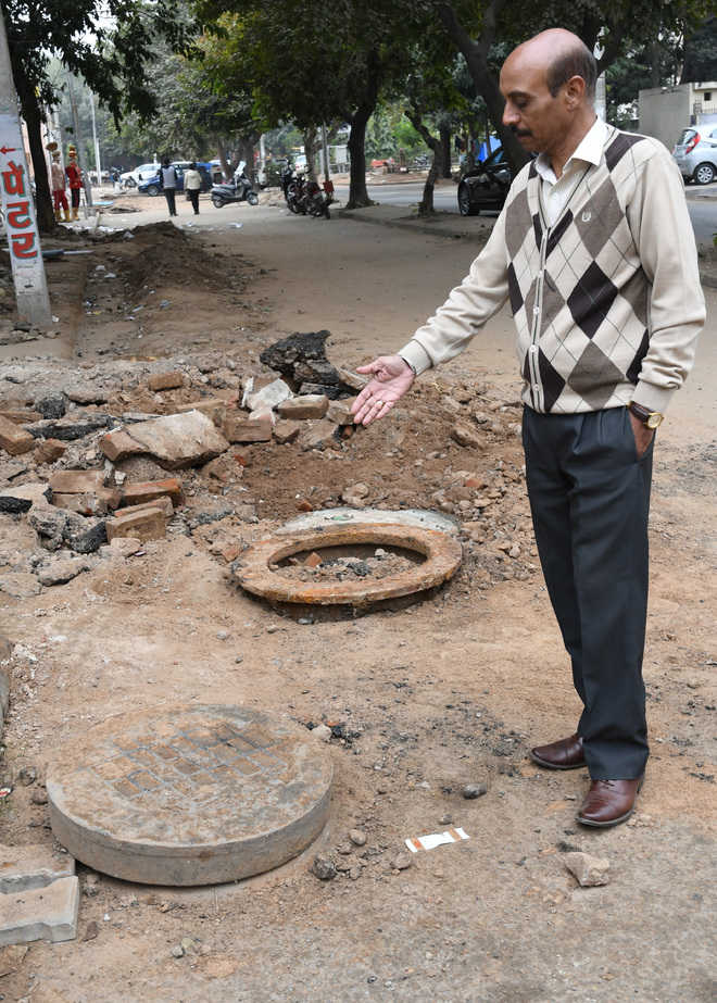 Careless MC men damage heritage manhole covers
