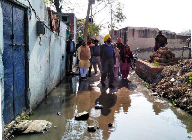 AAP MLA asks DC to solve dirty water accumulation problem in two villages