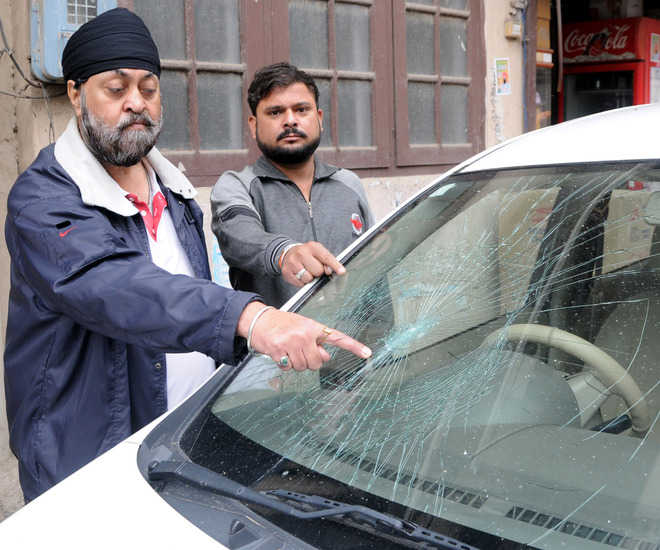 Car, house of 'Congress' candidate attacked