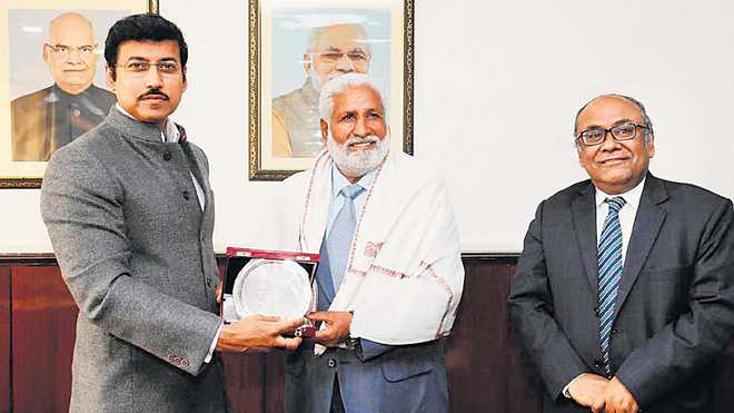 Former Indian football captain Gurdev Singh Gill felicitated