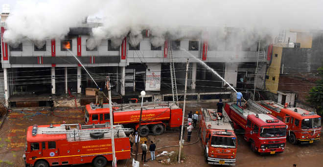 Fire breaks out at godown