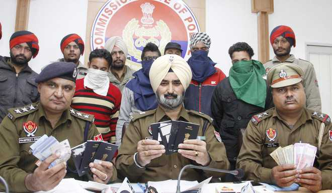Fake travel agents' gang busted; three arrested