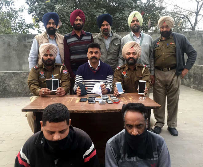 Gang of robbers busted; 2 held