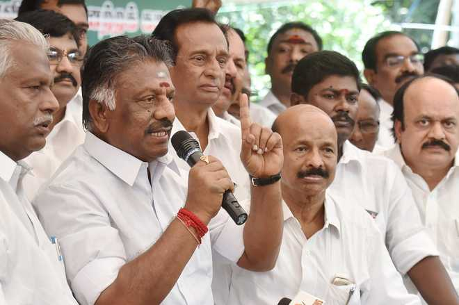 Panneerselvam camp dismisses Sasikala, Dinakaran from AIADMK