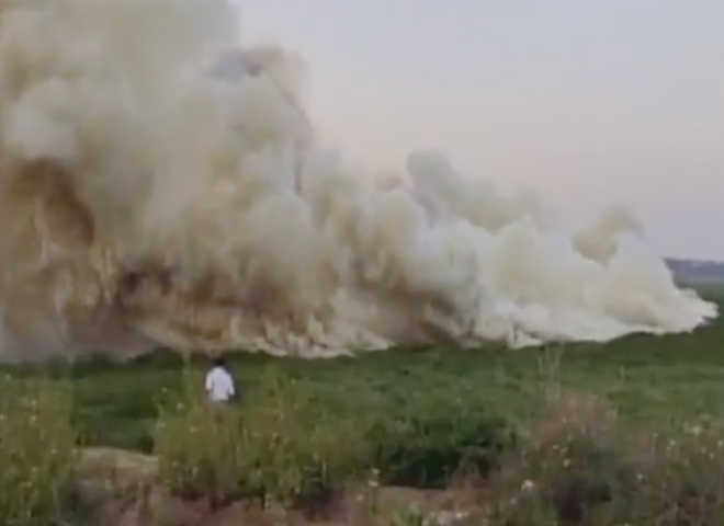 Fire, smoke engulfs lake in Bengaluru