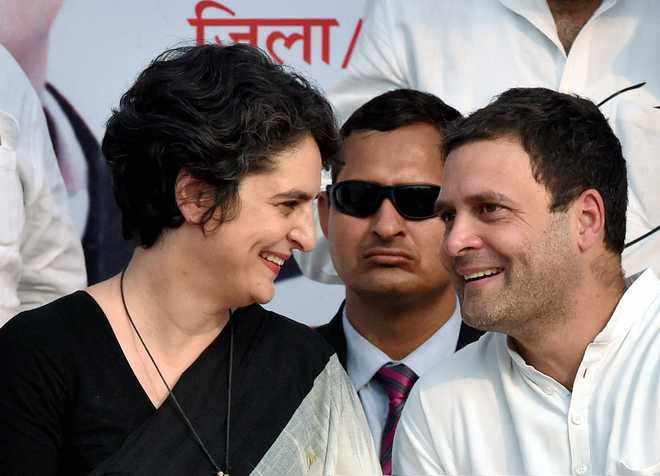 Rahul, Priyanka hit out at Modi on mother Sonia's home turf