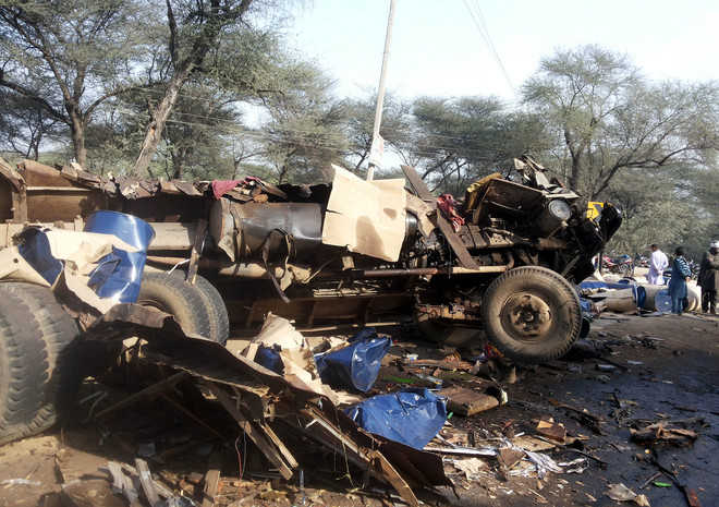 Two killed, 2 hurt as trucks collide on Dabwali road