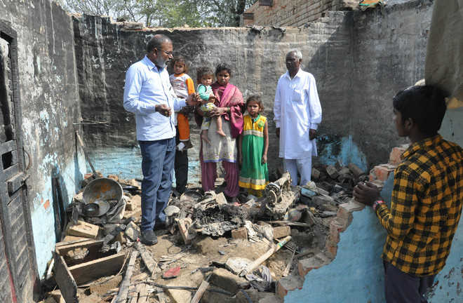 City Mayor's visit a mere photo op, say residents