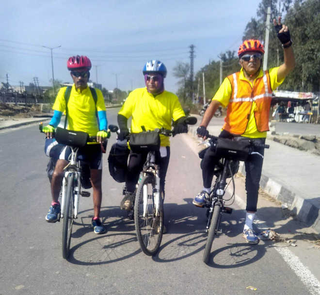 Men on mission: Cycle from Wagah to Mumbai