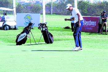 Ajeetesh defends title after dazzling 63 in final round