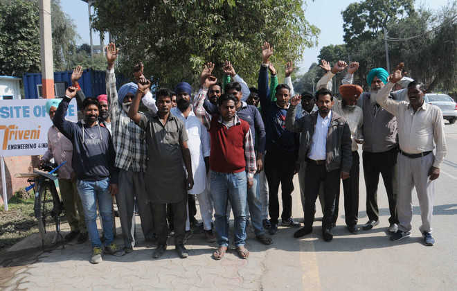 Triveni workers protest against firm over not getting equipment