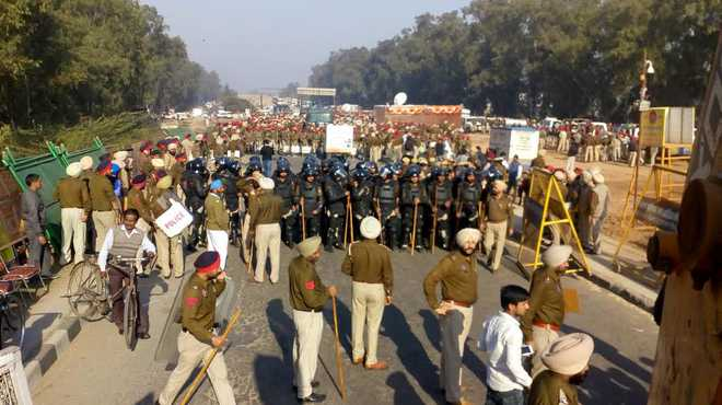 SYL row: Punjab Police fortify entry points before INLD march