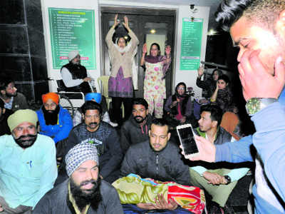 Family protests in Khanna hospital