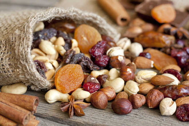 Nuts cut risk of cancer, help weight loss