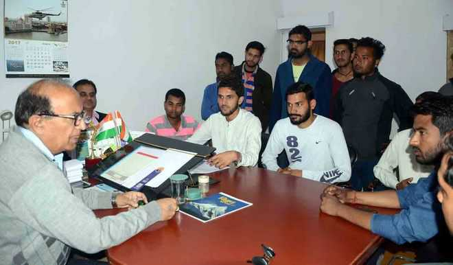 DAV students for fair admission process