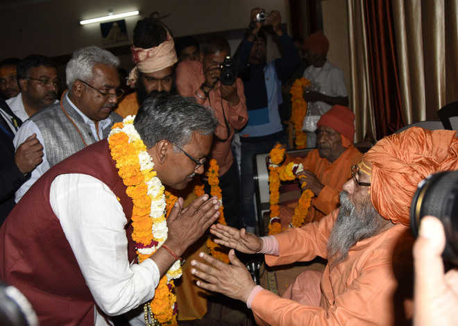 Seers welcome Trivendra Rawat at Gokarn Dham