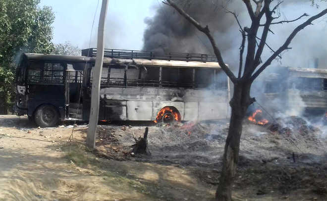 Jat protesters booked for assaulting cops, scribes