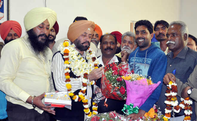 Sidhu joins office as Municipal Corporation Commissioner