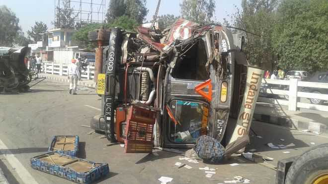 Mishap leads to traffic snarls