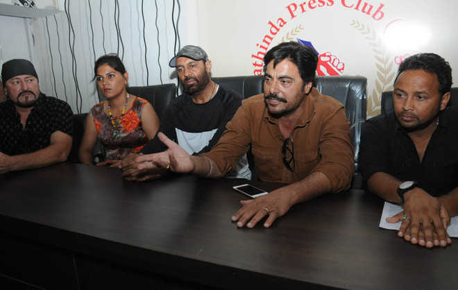 Star cast of 'Dulha Veli' comes calling in city