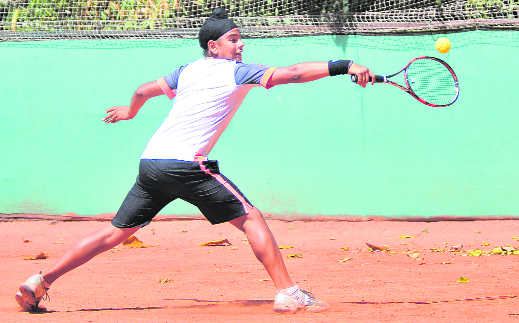 Aryan, Samarbir move  into main draw round