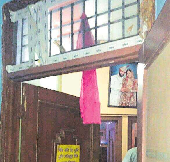 21-yr-old succumbs to 'dowry pressure'