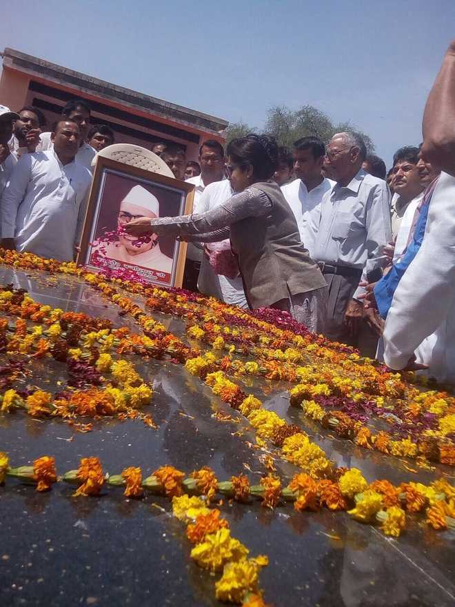Ex-CM Bansi Lal remembered on his death anniversary