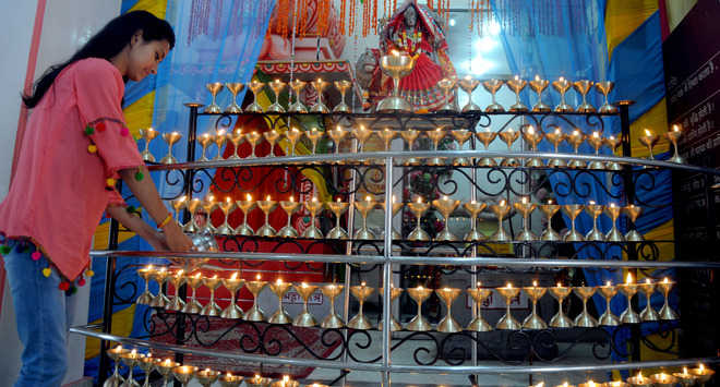 Devotees throng city temples
