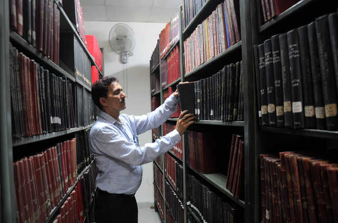 This library gives curriculum books to students; reduces their financial burden