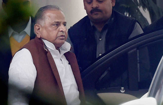 Check at Mulayam's house shows unpaid power bill of Rs 4 lakh