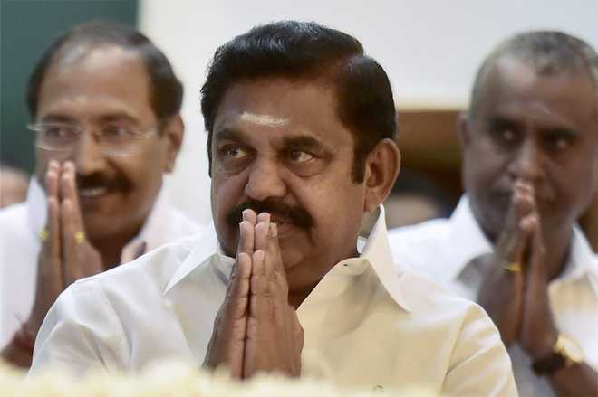 Palaniswami faction goes into huddle