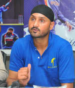 Jet Airways pilot racially abused man, assaulted lady: Harbhajan Singh
