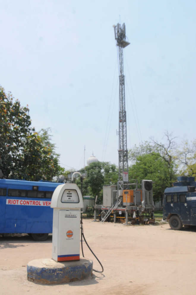 Mobile tower at Police Lines petrol  pump violates safety norms