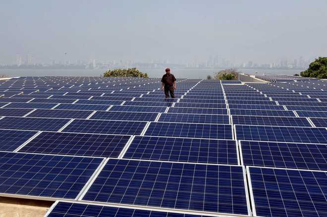 china s investment in renewable energy Global clean energy investment fell 18% in 2016 with slowdown in china in china, clean energy investment totaled $878 billion in 2016 both countries have seen their renewable energy markets boom in recent years.