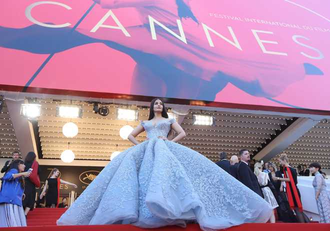 Aishwarya dons princess look for Cannes red carpet appearance