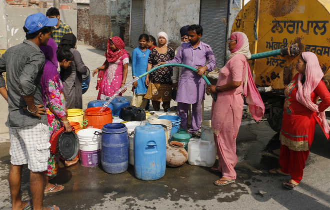 One-third city areas face water shortage