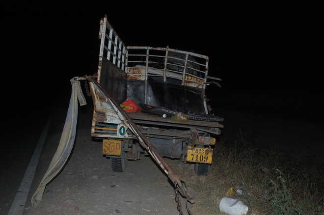 Two killed, 7 injured in road mishap