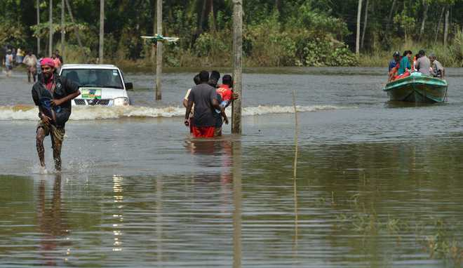 SL floods: Indian Navy teams deployed; death toll rises to 180