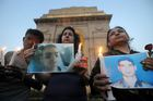 People hold a candlelight march in memory of Army Officer Lieutenant Umar Faiyaz, who was abducted and killed by terrorist in his hometown in Kashmir, at India Gate in New Delhi on May 13, 2014. Tribune photo: Mukesh Aggarwal
