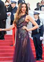 Deepika makes stunning Cannes red carpet debut