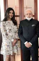 Priyanka Chopra meets Modi in Berlin, says 'lovely coincidence'