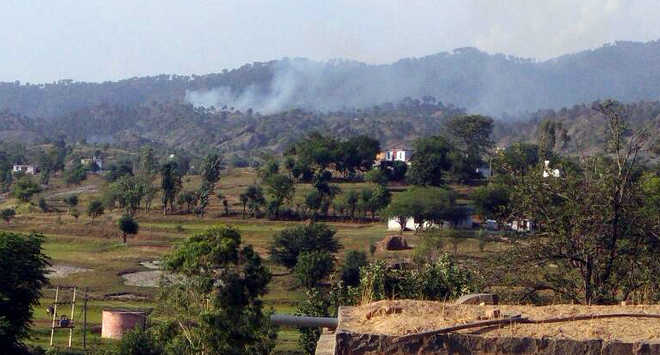 Pakistan violates truce in KG, Nowshera sectors