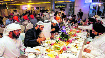 UAE gurdwara holds Iftar for all faiths