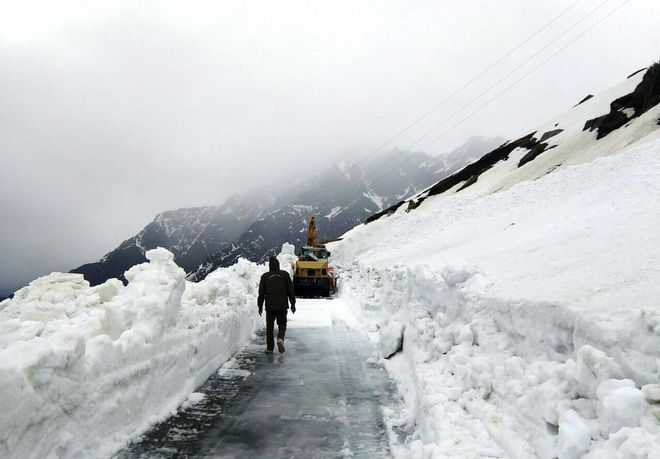 Manali-Leh road opens for traffic