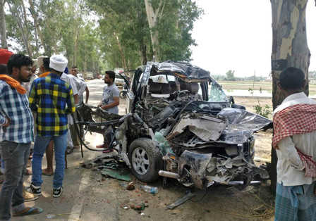 10 killed in 3 road mishaps