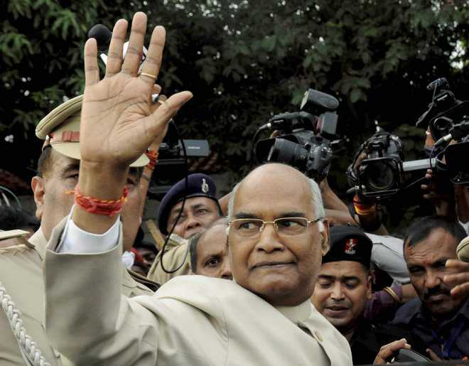 BJP picks  Kovind for President