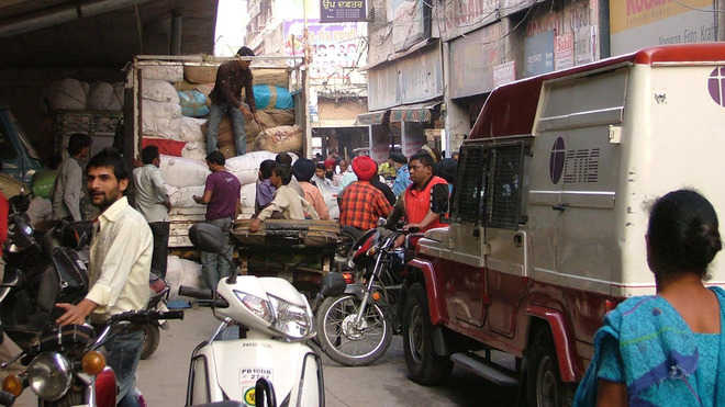 Now, FIR against drivers for obstructing traffic