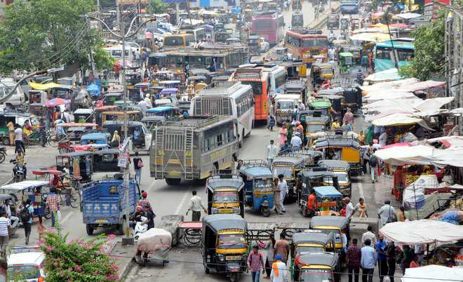 Encroachments lead to traffic chaos near bus stand