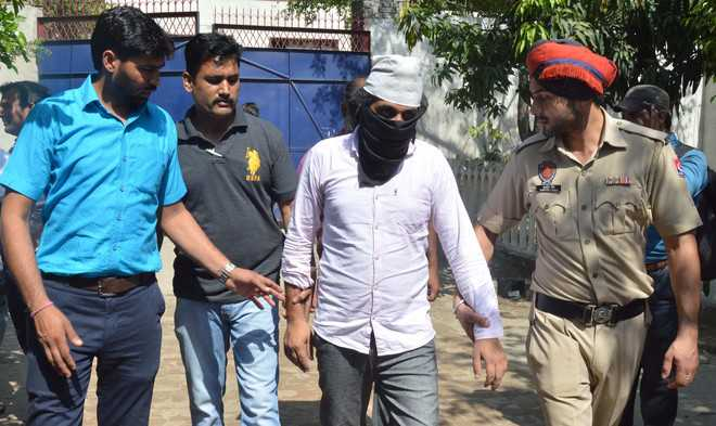 Man held on charge of posing as CBI officer